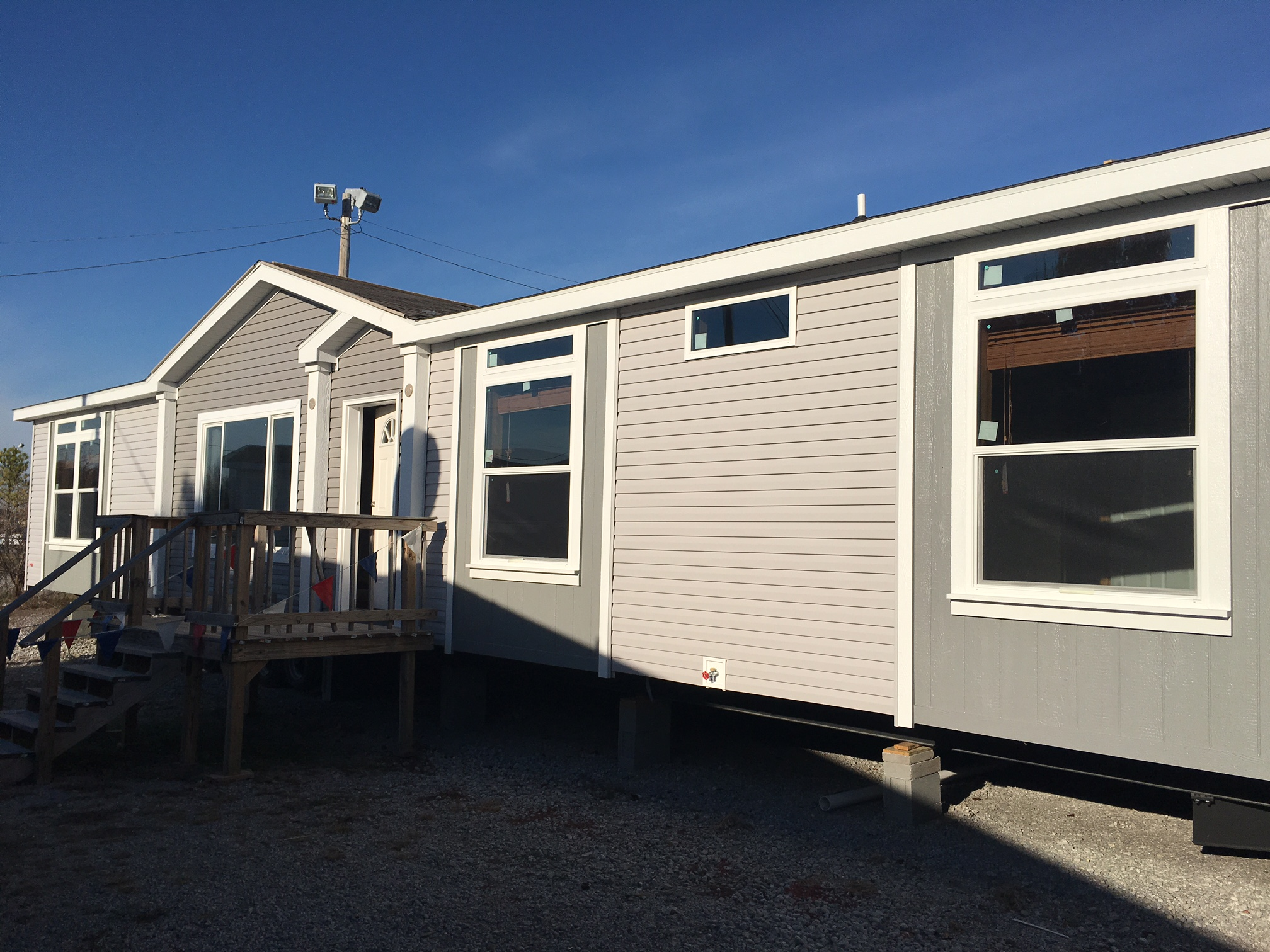 MANUFACTURED NEW HOMES